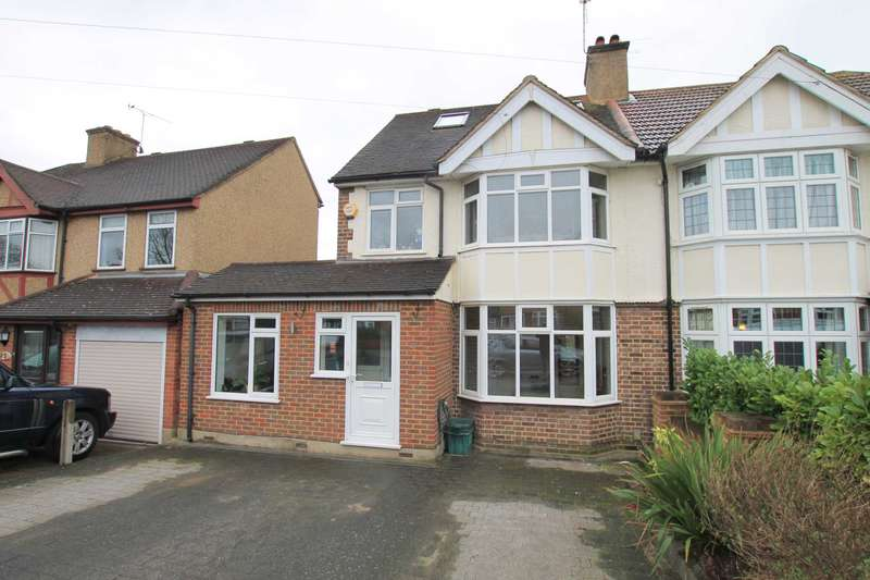 4 Bedrooms Semi Detached House for sale in Knutsford Avenue, Watford