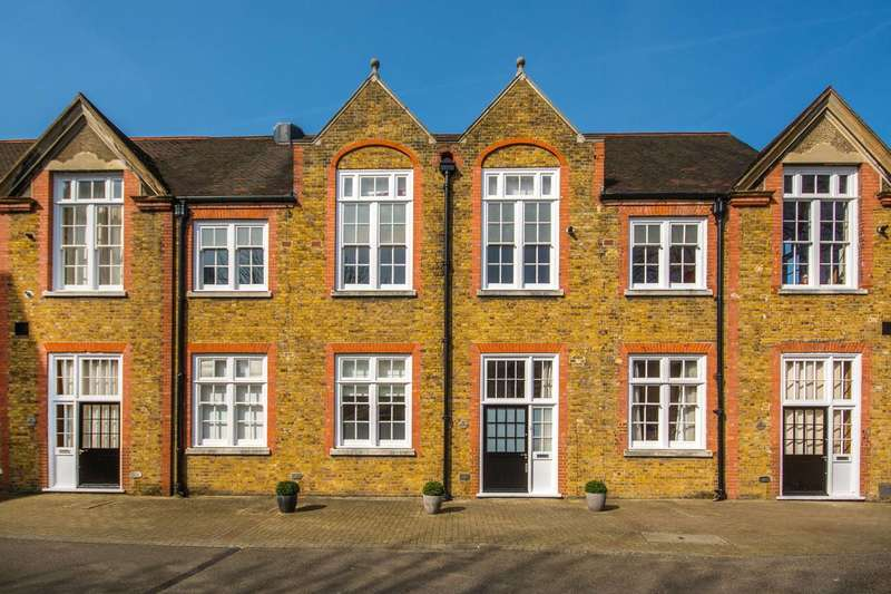 2 Bedrooms House for sale in Reed Place, Clapham High Street, SW4