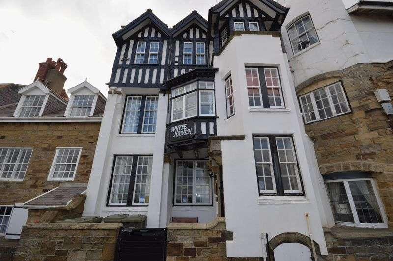 2 Bedrooms Flat for sale in The Parade, Sandsend, Whitby