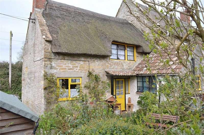 2 Bedrooms Semi Detached House for sale in Flood Lane, Bridport, Dorset