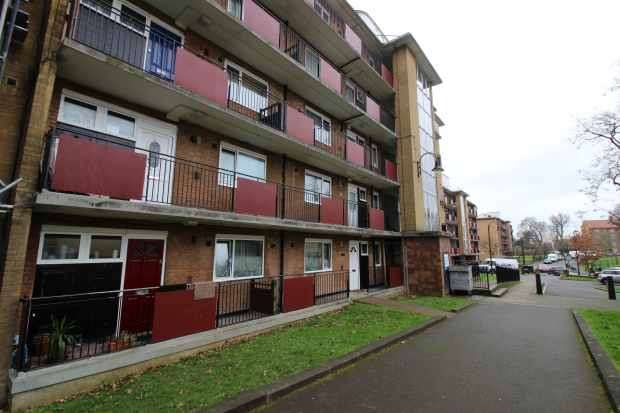 2 Bedrooms Flat for sale in Ransford House, London, Greater London, SE21 8QG