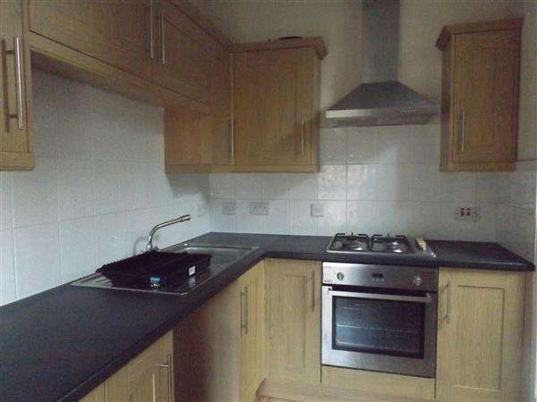 3 Bedrooms Apartment Flat for rent in Sefton Road, New Ferry