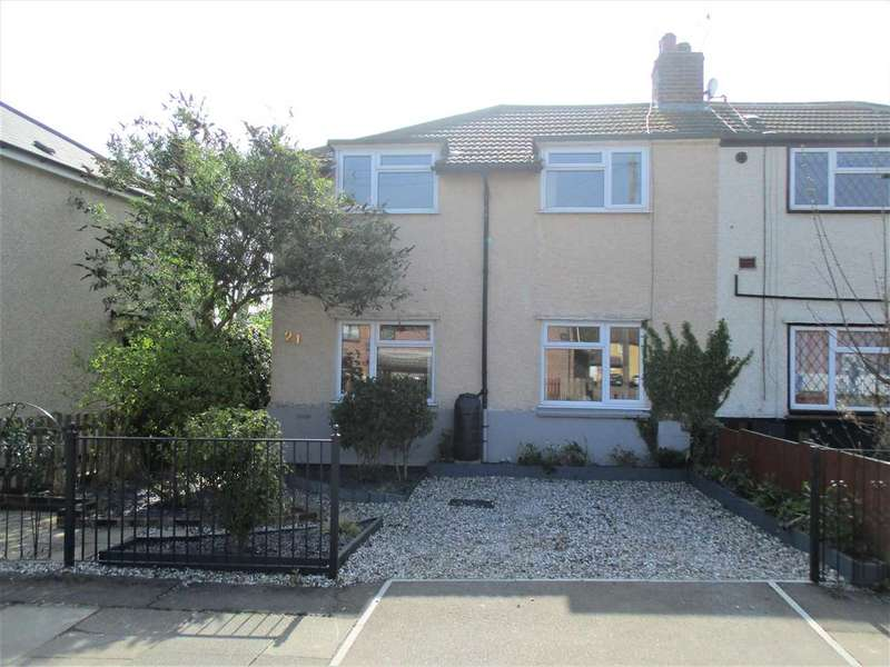 3 Bedrooms Semi Detached House for sale in Kings Road, Chelmsford