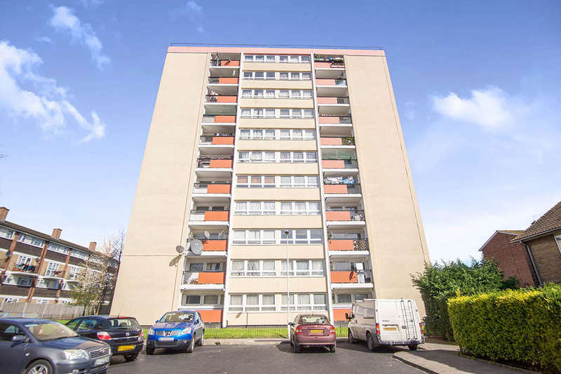 2 Bedrooms Flat for sale in Field Point Station Road, London, E7