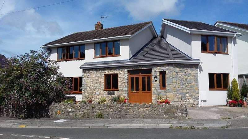 4 Bedrooms Detached House for sale in Boverton Road, Boverton, Llantwit Major