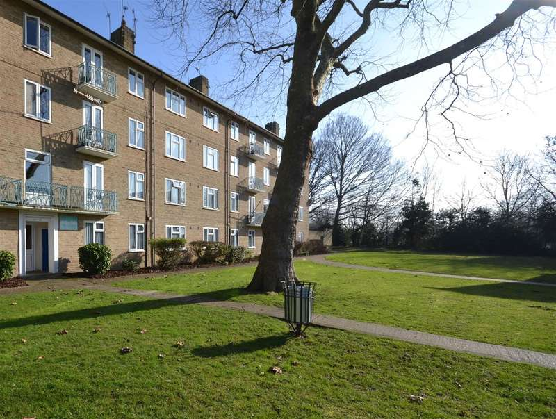 2 Bedrooms Apartment Flat for sale in Pinner Grove, Pinner