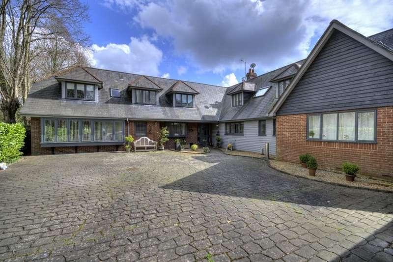 5 Bedrooms Detached House for sale in Great Bridge Road, Romsey, SO51