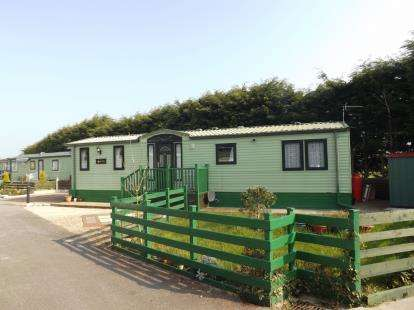 3 Bedrooms Mobile Home for sale in Oxcliffe New Farm Caravan Park, Heaton With Oxcliffe, Morecambe, Lancashire, LA3