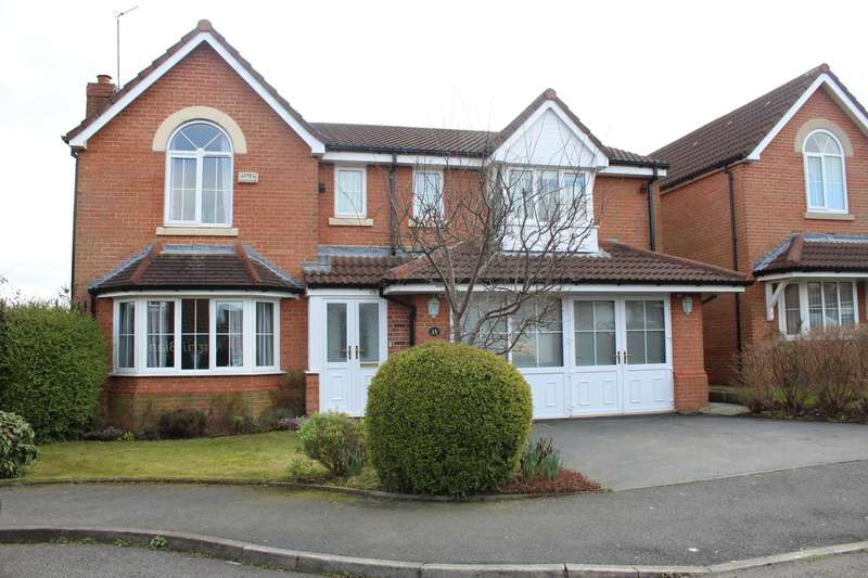 5 Bedrooms Detached House for sale in Buckley Chase, Milnrow