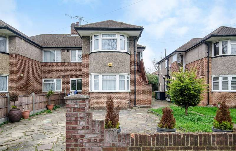 2 Bedrooms Maisonette Flat for sale in Fernwood Avenue, Wembley, HA0
