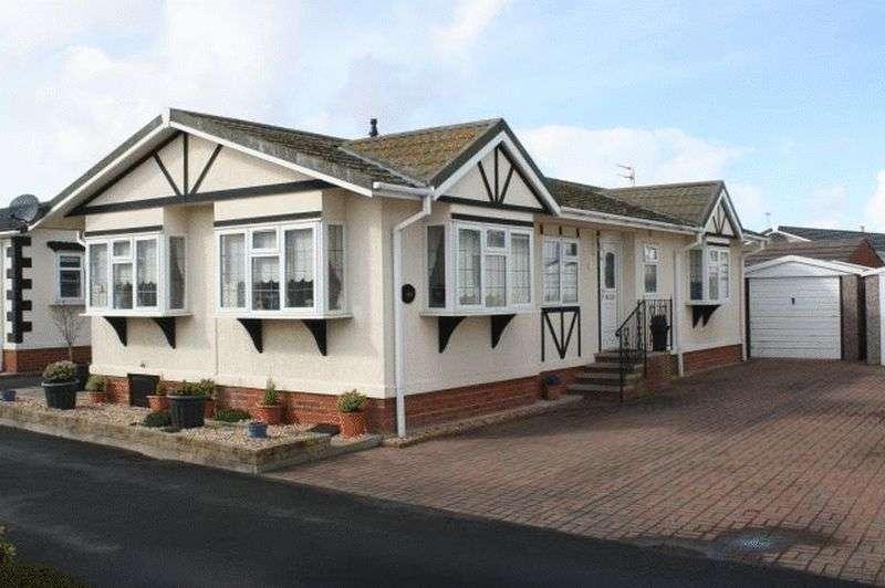 2 Bedrooms Property for sale in 30 Willowgrove Park, Sandy Lane, Preesall, Poulton-Le-Fylde, Lancashire, FY6 0RB