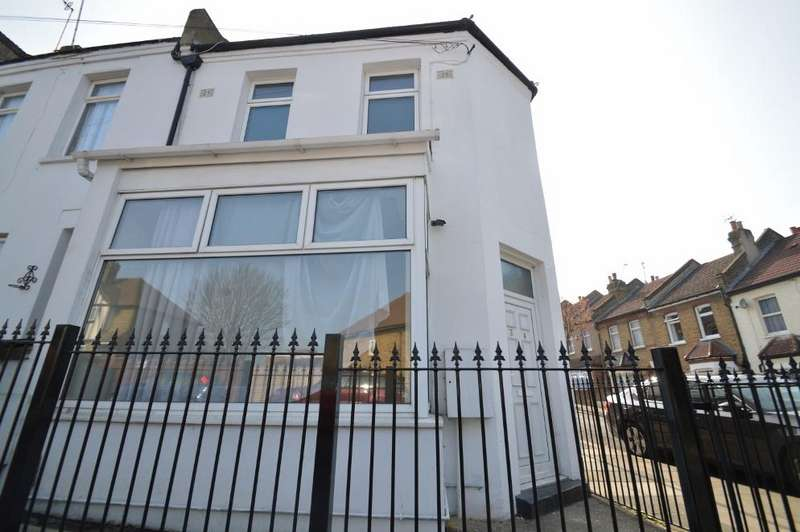 3 Bedrooms End Of Terrace House for sale in Timbercroft Lane, Plumstead, London SE18