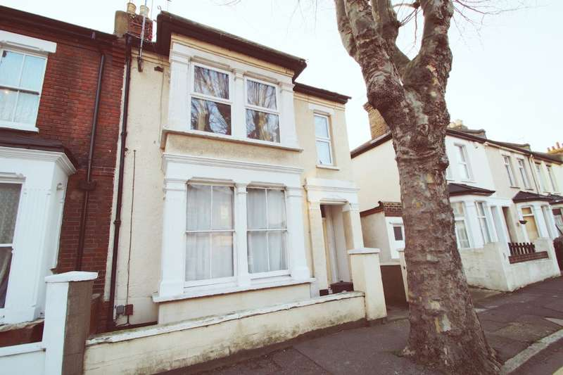 2 Bedrooms Ground Flat for sale in Ashburnham Road, Southend On Sea