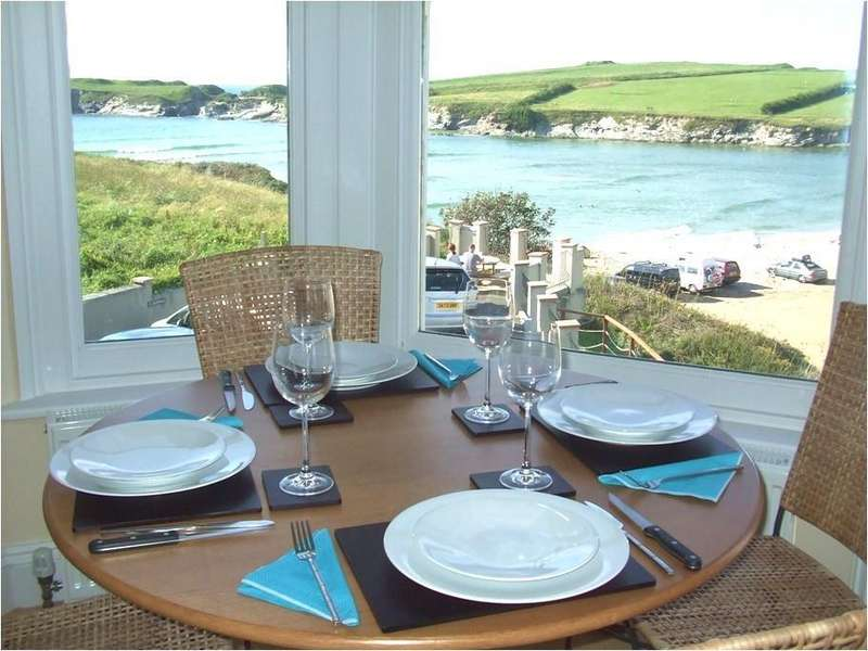 2 Bedrooms Apartment Flat for sale in Seashore House, Porth