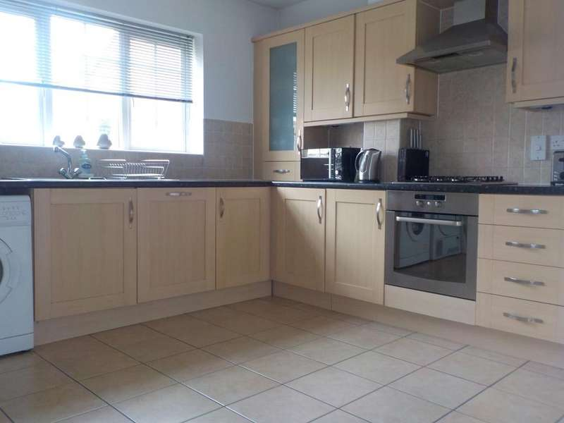 4 Bedrooms Detached House for sale in Winnersh, Reading RG41