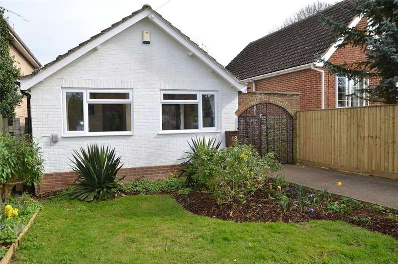 3 Bedrooms Detached Bungalow for sale in Brading Way, Purley on Thames, Reading, Berkshire, RG8