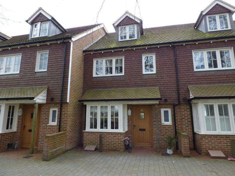4 Bedrooms Terraced House for sale in Water Lane, Handcross, West Sussex.