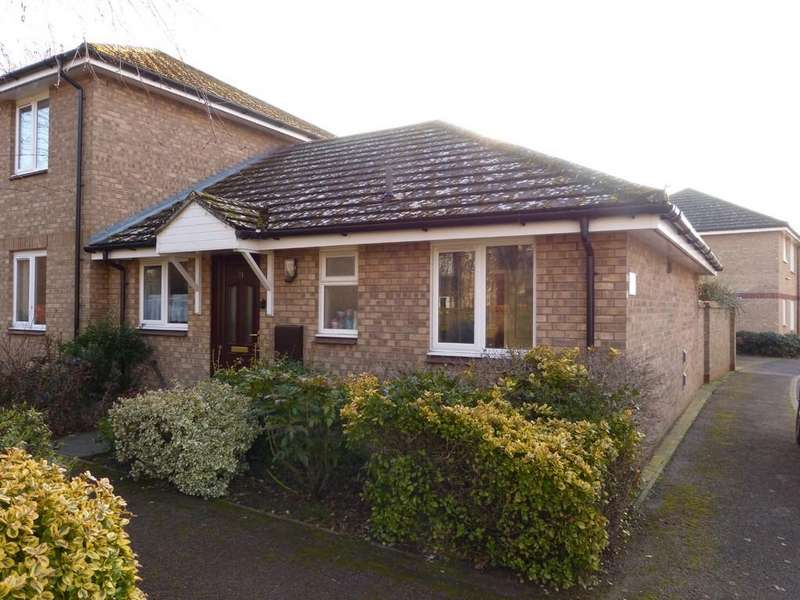 2 Bedrooms Semi Detached Bungalow for sale in The Orchard, Brandon