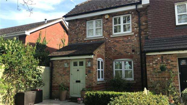4 Bedrooms Semi Detached House for sale in Winchendon Place, Kidmore End Road, Emmer Green