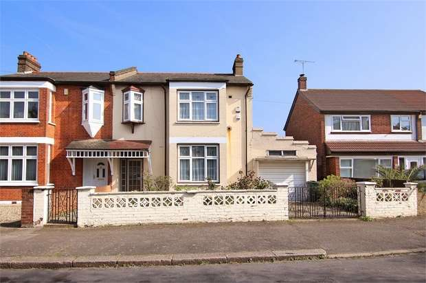 4 Bedrooms Semi Detached House for sale in Forest View Road, Walthamstow, London