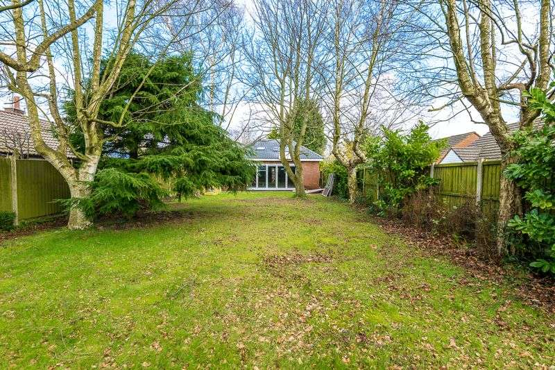 2 Bedrooms Detached Bungalow for sale in Hillock Lane, Ormskirk