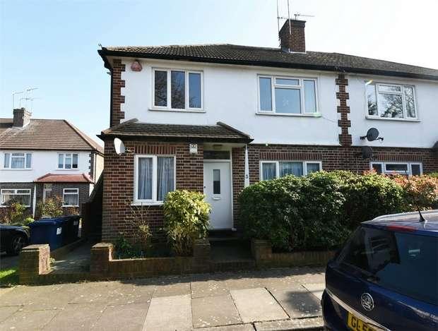 2 Bedrooms Maisonette Flat for sale in Hobbs Green, East Finchley, N2