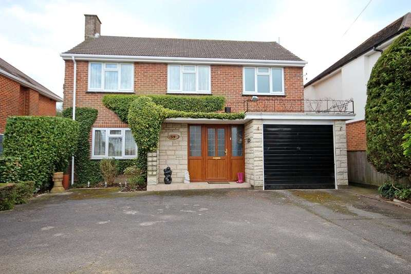 4 Bedrooms Detached House for sale in Petersfield Road, Boscombe East, Bournemouth