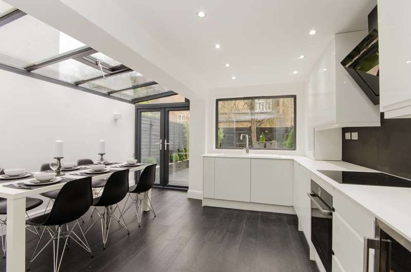 3 Bedrooms House for sale in Eardley Road, Streatham Common, SW16