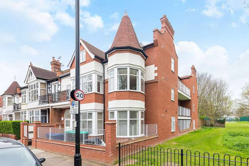 2 Bedrooms Flat for sale in Southfield Road, Bedford Park, W4