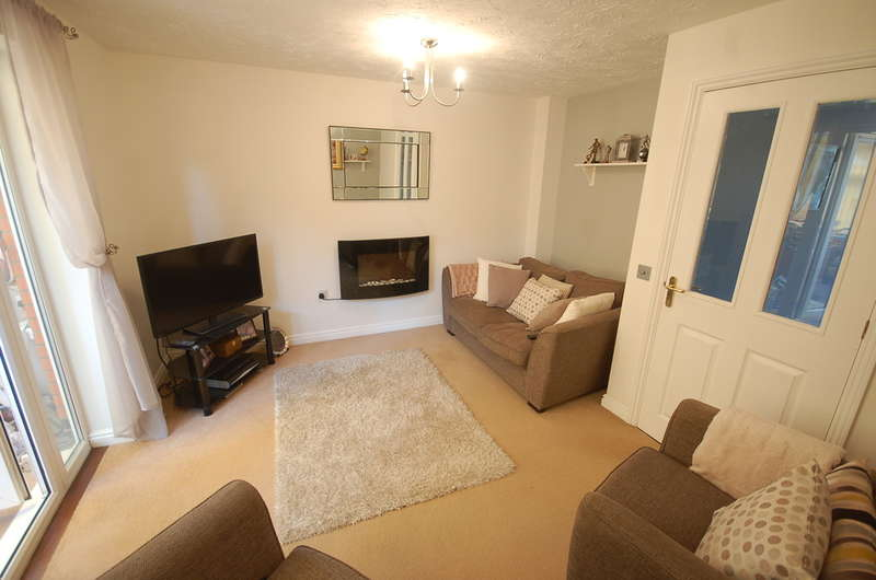3 Bedrooms Semi Detached House for sale in Burroughs Way, Wymondham