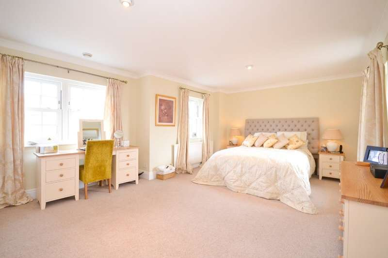 4 Bedrooms Detached House for sale in Cowes, Isle Of Wight