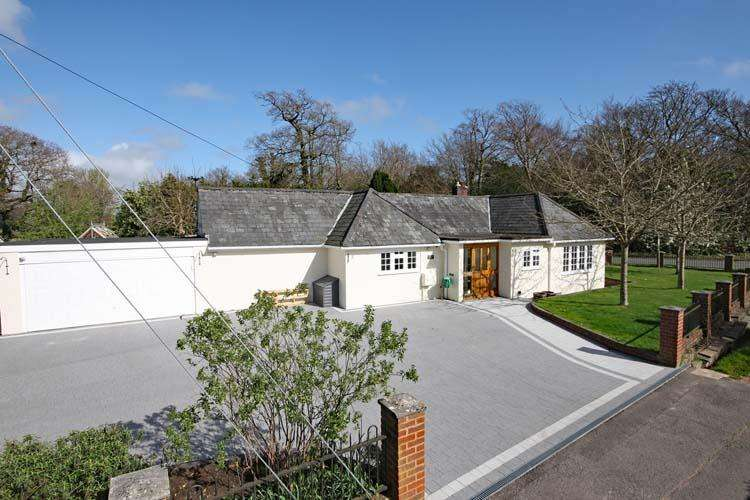 3 Bedrooms Detached Bungalow for sale in Warborne Lane, Portmore, Lymington SO41