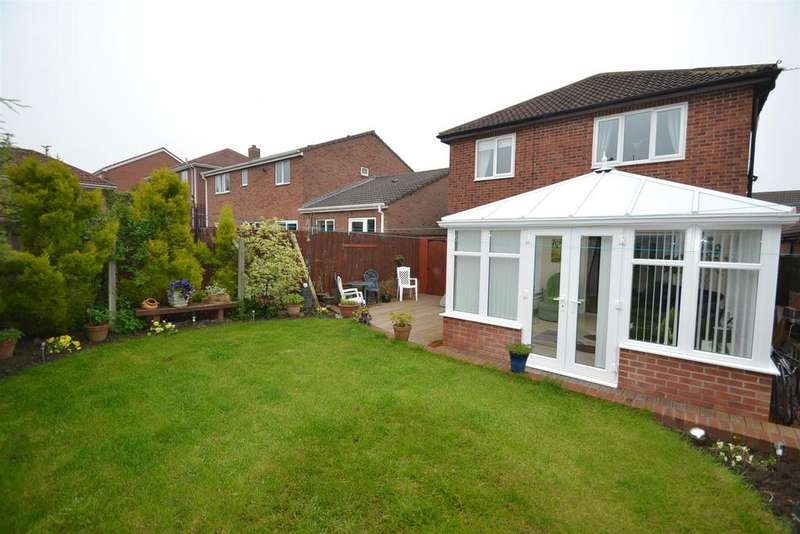 3 Bedrooms Detached House for sale in Ramsay Drive, Ferryhill