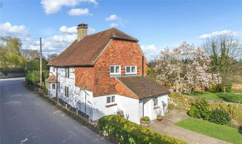 3 Bedrooms Detached House for sale in The Street, Lodsworth, Petworth, West Sussex, GU28
