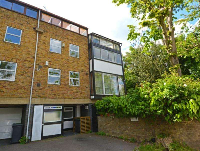 5 Bedrooms End Of Terrace House for sale in Southwood Lane, N6
