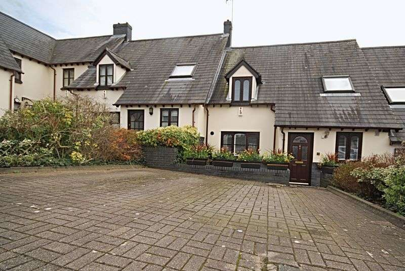 2 Bedrooms Cottage House for sale in Abbots Mews, off Friars Road