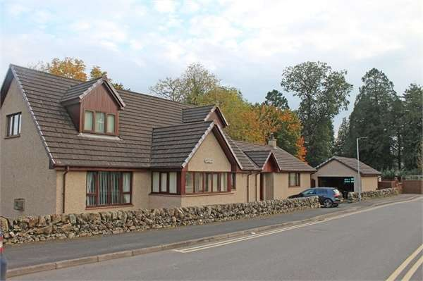 4 Bedrooms Detached House for sale in Corsbie Grove, Newton Stewart, Dumfries and Galloway