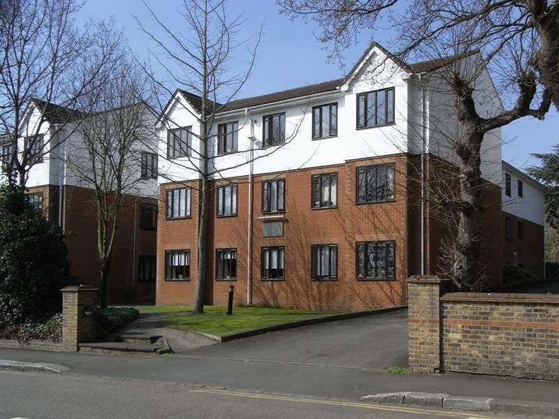 2 Bedrooms Flat for sale in Lyonsdown Road, New Barnet