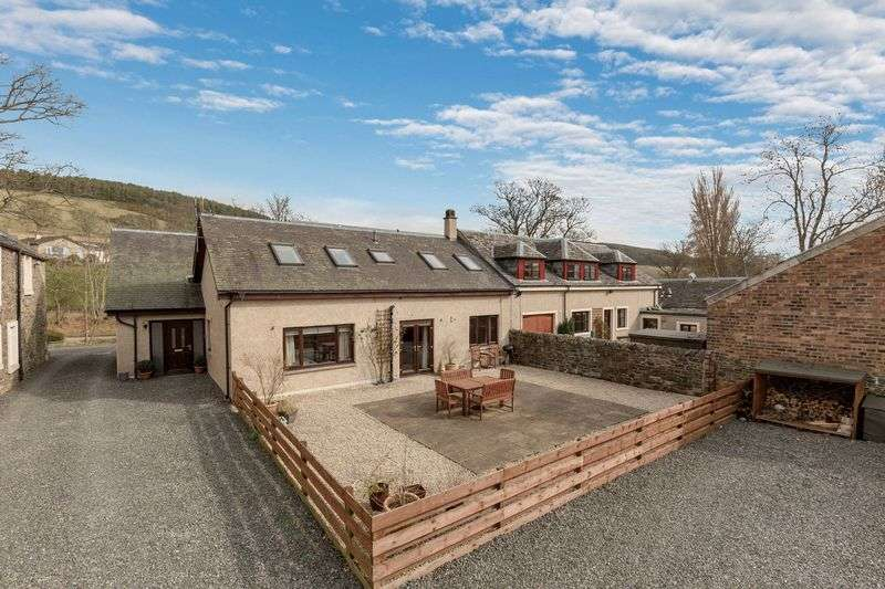 3 Bedrooms House for sale in The Gables, 3 Eshiels Steading, Eshiels, Peebles, EH45 8NA