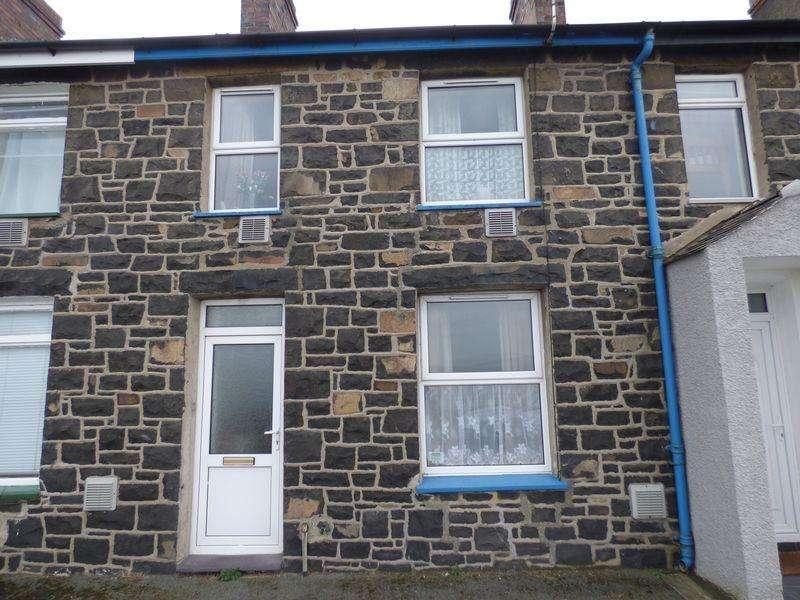 3 Bedrooms Terraced House for sale in 2 Mona Terrace, Llanfairfechan LL33 0RE