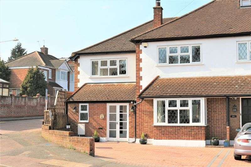 4 Bedrooms Terraced House for sale in Rous Road, Buckhurst Hill