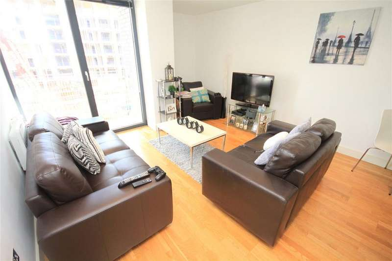 1 Bedroom Flat for sale in The Mews, Advent Way, Manchester, M4