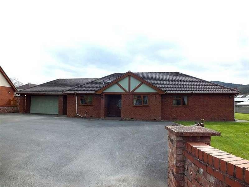4 Bedrooms Detached Bungalow for sale in Bron Haul, Llanrwst, Conwy