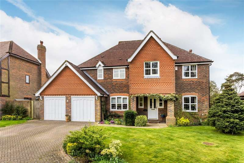 5 Bedrooms Detached House for sale in Lavender Close, Chaldon, Surrey, CR3