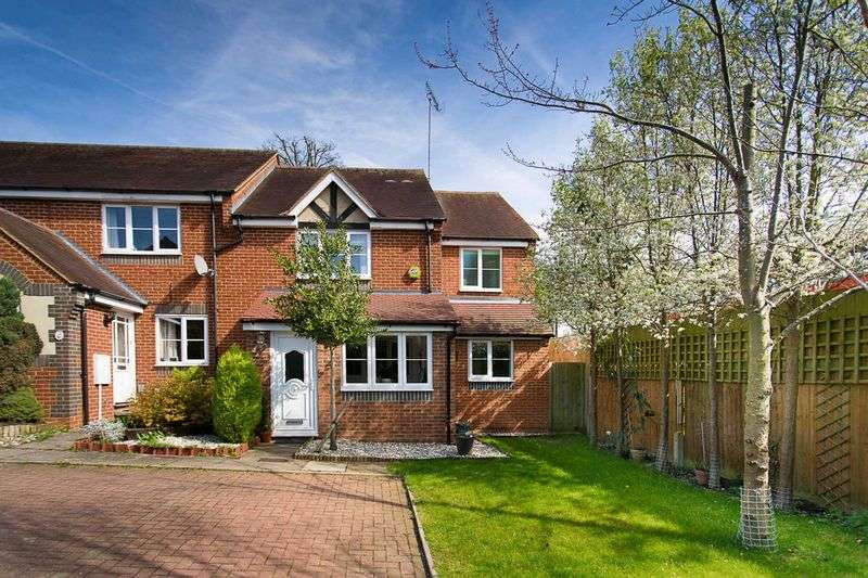 4 Bedrooms House for sale in Orient Close, St. Albans