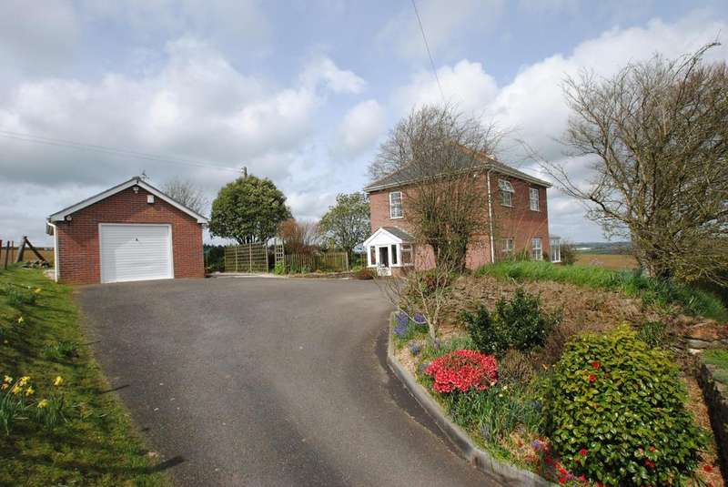 3 Bedrooms Detached House for sale in Stoke Climsland, Callington