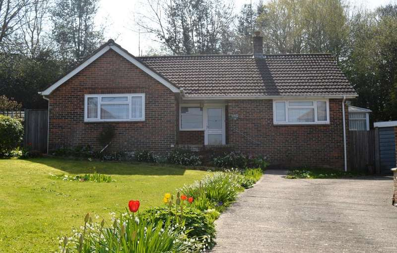 2 Bedrooms Detached Bungalow for sale in Edward Road, Haywards Heath RH16