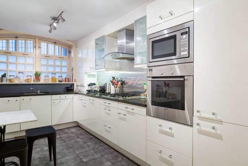 2 Bedrooms Flat for sale in Aston Webb House, Tooley Street, SE1