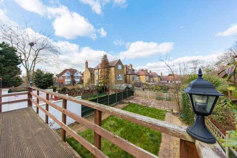 2 Bedrooms Flat for sale in Becmead Avenue, SW16