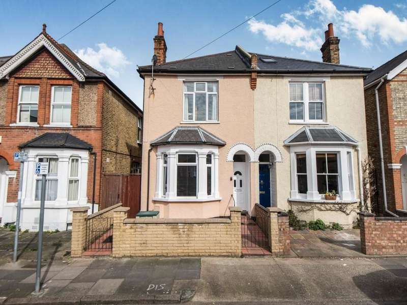 3 Bedrooms Semi Detached House for sale in Chatham Road, Kingston Upon Thames, KT1